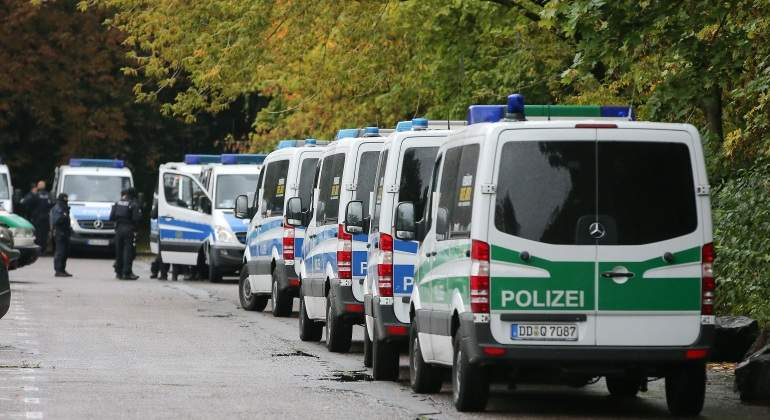 policia-alemania-furgones-reuters.jpg