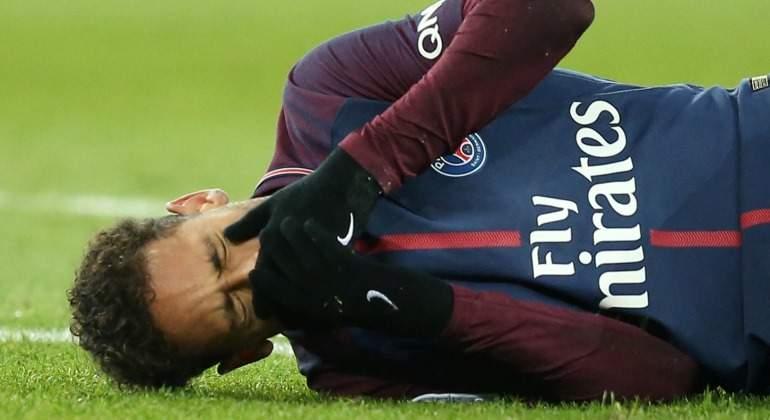 Neymar-lamenta-lesion-2018-Reuters.jpg