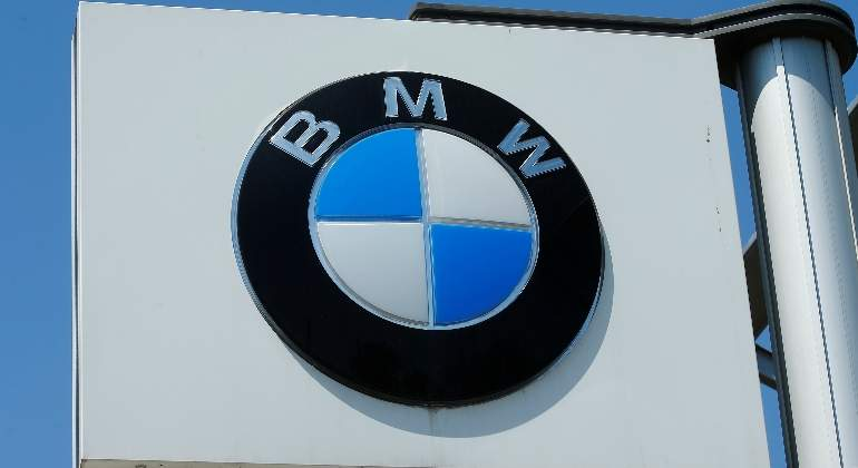 bmw-logo-reuters.jpg