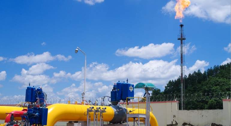 shale-gas-station.jpg