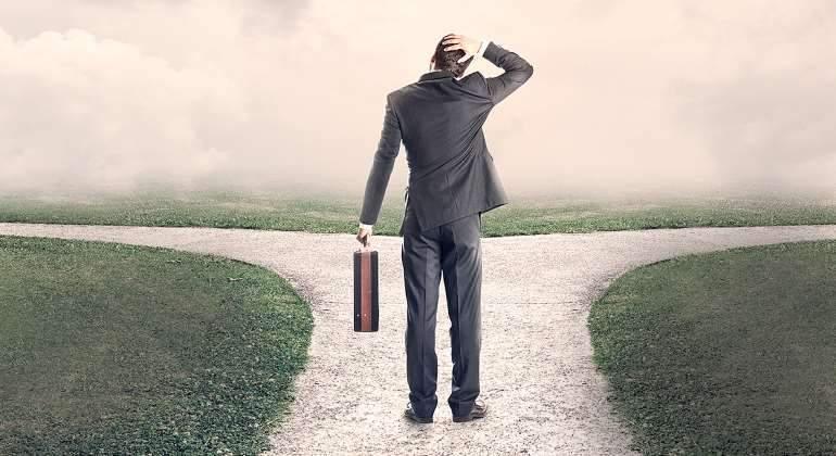 directivo-empresario-decision-770-istock.jpg