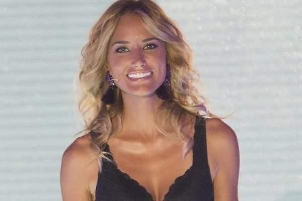 Alba Carrillo Nos Pasa Su Impresionante Desnudo Integral Al Borde De