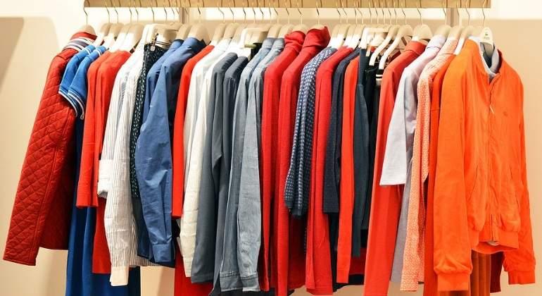 moda-percha-ropa.jpg