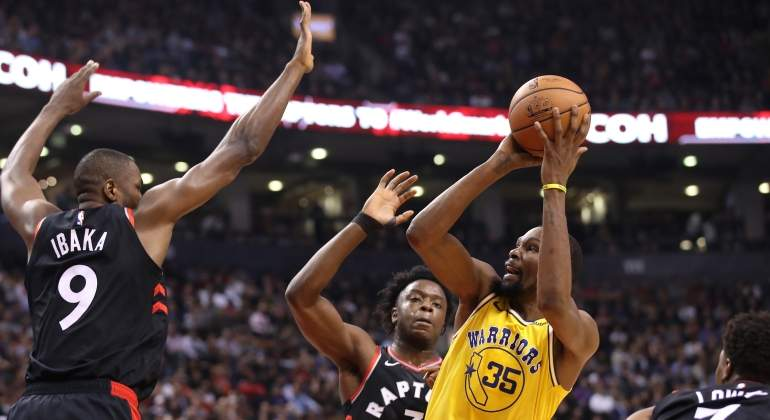 ibaka-durant-raptors-warriors-reuters.jpg