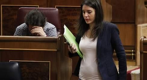 Irene Montero ya presume de tripita en el Congreso