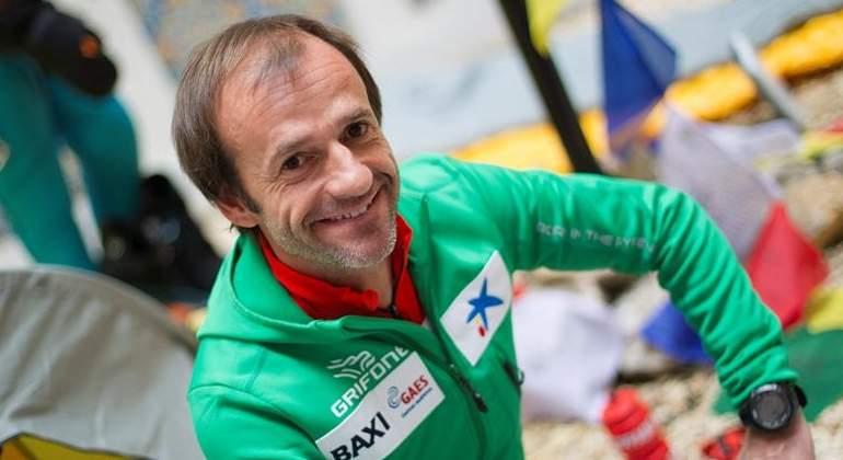 Ferran Latorre corona el Everest y completa los 14 ochomiles
