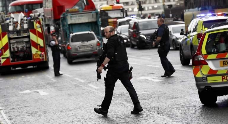 La policía acordona el tráfico