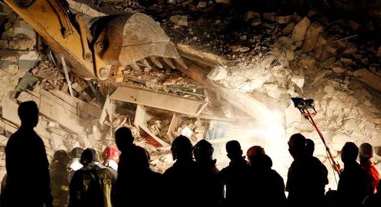Esperanza bajo los escombros: rescatan a una niña de 10 años tras 16 horas sepultada