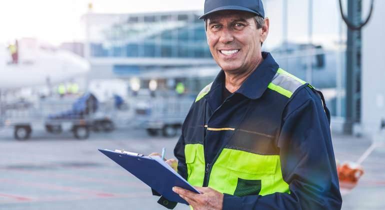 aeropuerto-trabajador-770-dreamstime.jpg