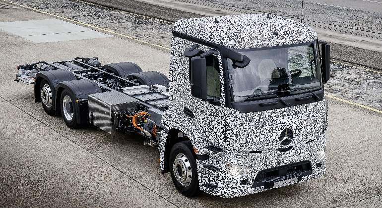 mercedes-urban-truck.jpg