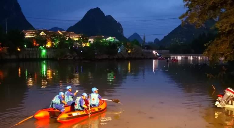 Diecisiete muertos en China al volcar dos barcos dragón