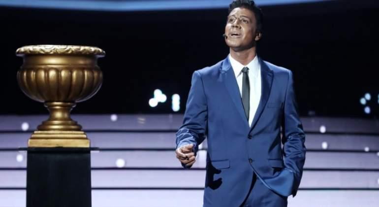 Miquel Fernández se convierte en Nat King Cole y gana la gala 13 de Tu cara me suena