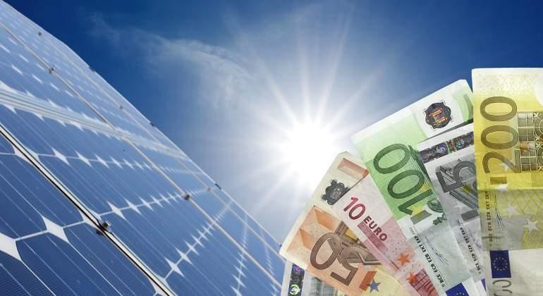 renovables-paneles-euros-dreamstime.jpg