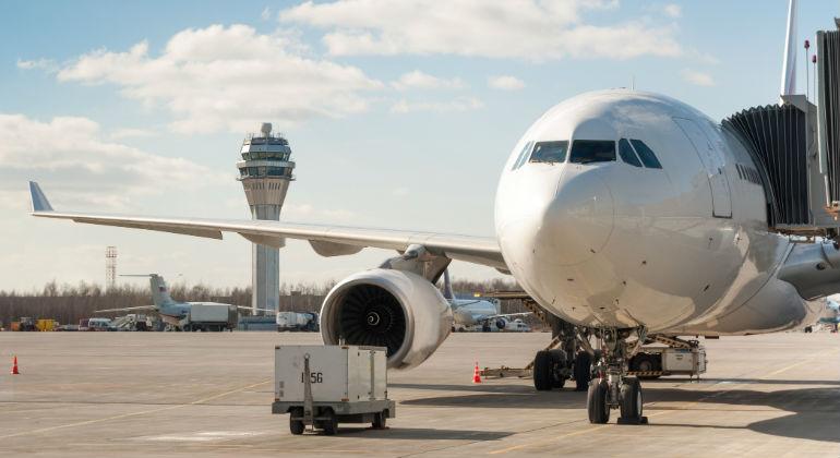 avion-aeropuerto.jpg
