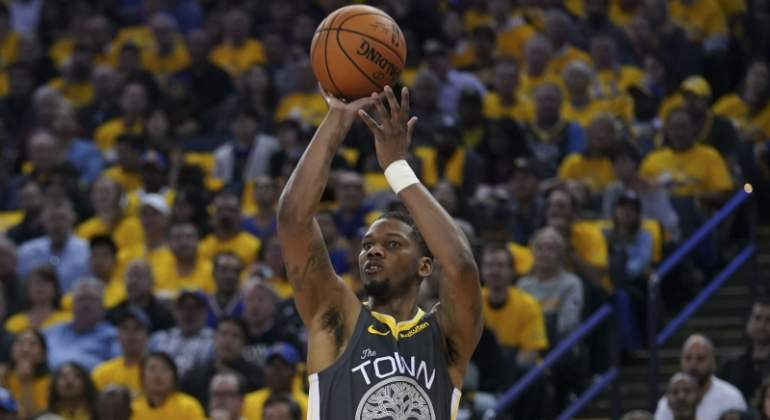 mckinnie-warriors-reuters.jpg