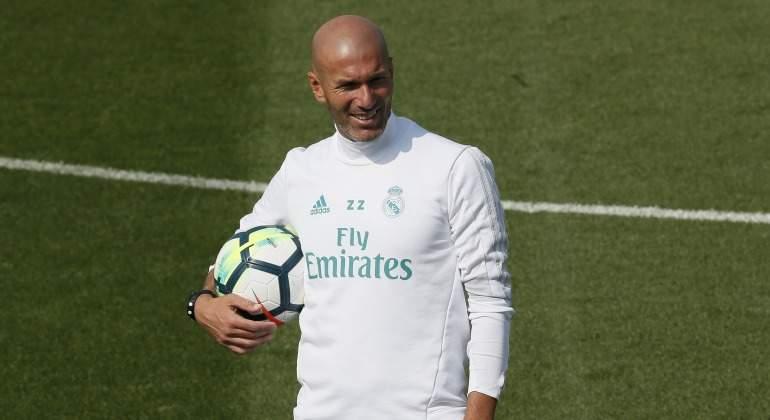 Zidane-balon-2017-entreno-efe.jpg