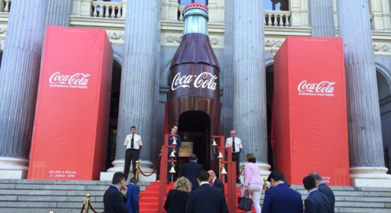 coca-cola-debut-bolsa.jpg