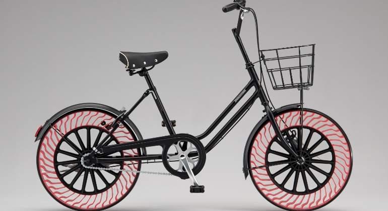 Bridgestone-rueda-sin-aire.jpg