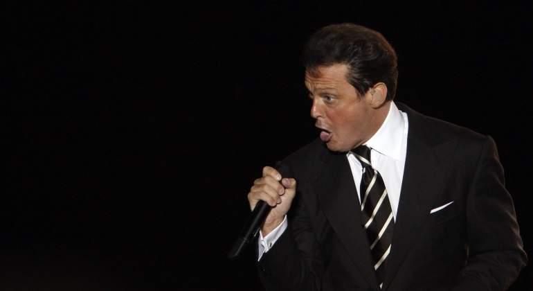 Dictan orden de detención contra el cantante — Luis Miguel