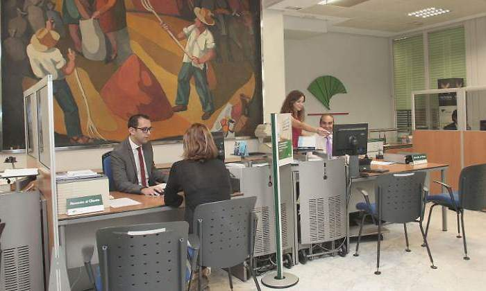 Unicaja har un ajuste gradual de plantilla durante los for Unicaja oficinas