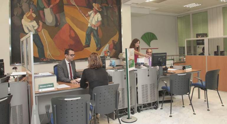 Unicaja colabora en el anticipo de las ayudas de la pac y for Oficinas de unicaja en madrid