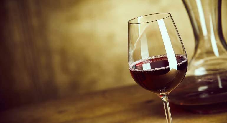 vino-copa-770-dreamstime.jpg