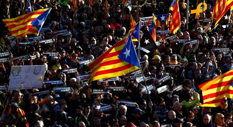 1c6287f46d05a Miles de manifestantes marchan en Barcelona contra el juicio del