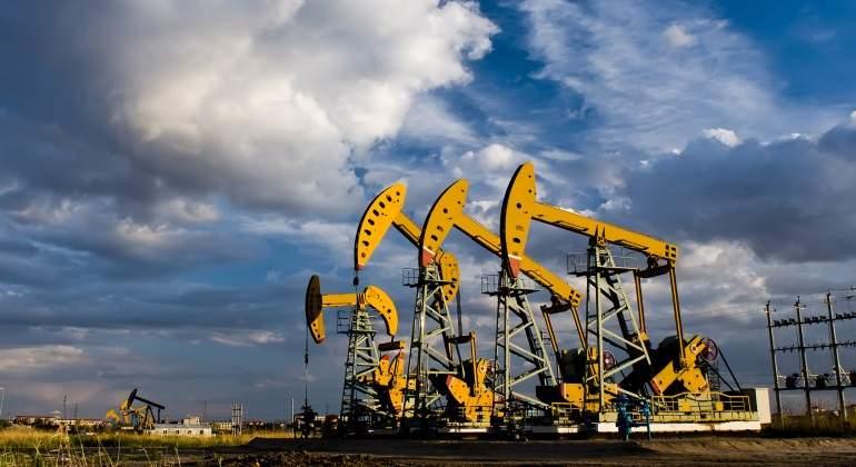 petroleo-backwardation-bombas.jpg