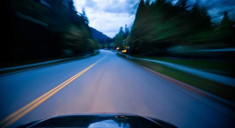 carretera-coche-velocidad-dreams.jpg