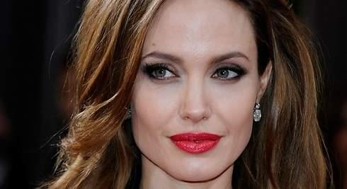 Angelina Jolie quiere las joyas... y mucho más