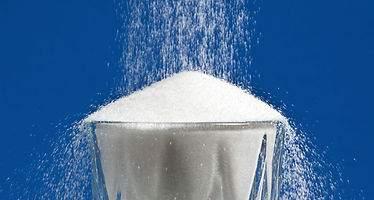 Los impuestos a las bebidas azucaradas deben superar el 20% del coste para que provoque un cambio de hábitos