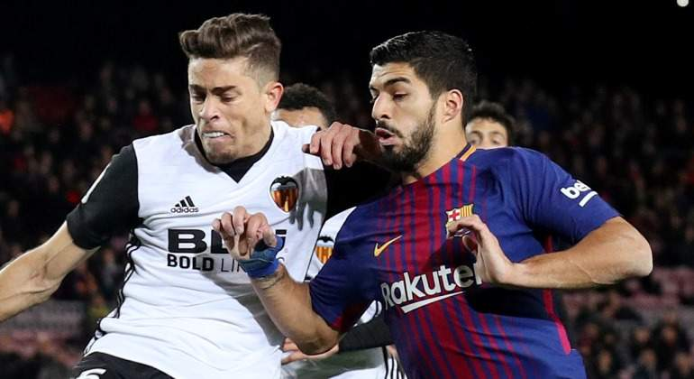 Gabriel-Paulista-LUis-Suarez-Valencia-Barcelona-2018-Reuters.jpg