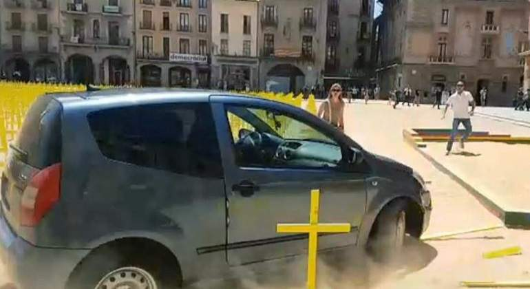 coche-cruces-efe.jpg