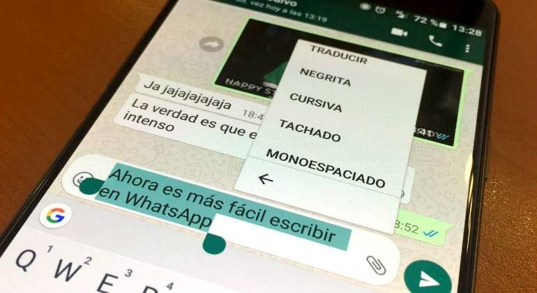 WhatsApp estrena sin códigos negritas, cursivas y texto tachado