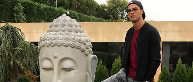 Cristiano Ronaldo: la imagen que desata la ira de los budistas
