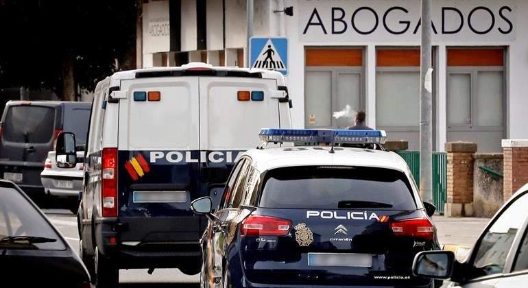 furgon-coche-policia-manada-efe.jpg