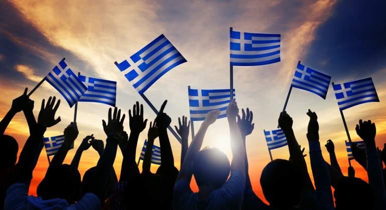 grecia-banderas-jovenes-dreamstime.jpg