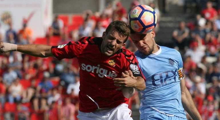 El Girona desperdicia su primera oportunidad para ascender a Primera tras caer ante el Nástic