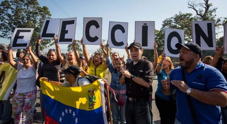 Maduro autoriza consulta para crear Comisión constituyente sobre esclarecimiento de crímenes políticos
