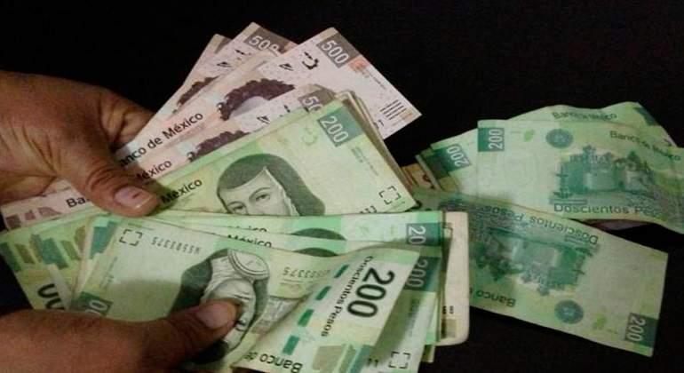 Investigan a policías mexicanos que recibieron dinero del narco