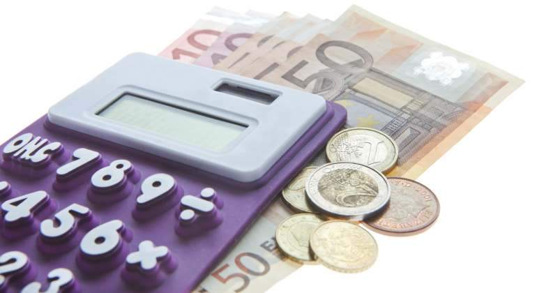impuestos-calculadora-euros-getty.jpg
