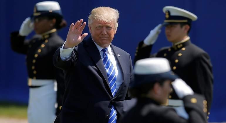Trump denuncia caza de brujas por fiscal nombrado para investigación rusa