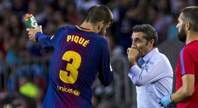 Pique-dialoga-Valverde-2017-efe.jpg