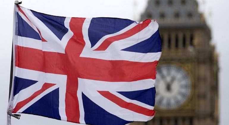 El déficit público de Reino Unido cae al nivel más bajo desde 2007 en los seis primeros meses de su año fiscal