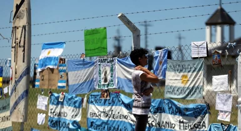 submarino-argentina-homenaje-reuters.jpg