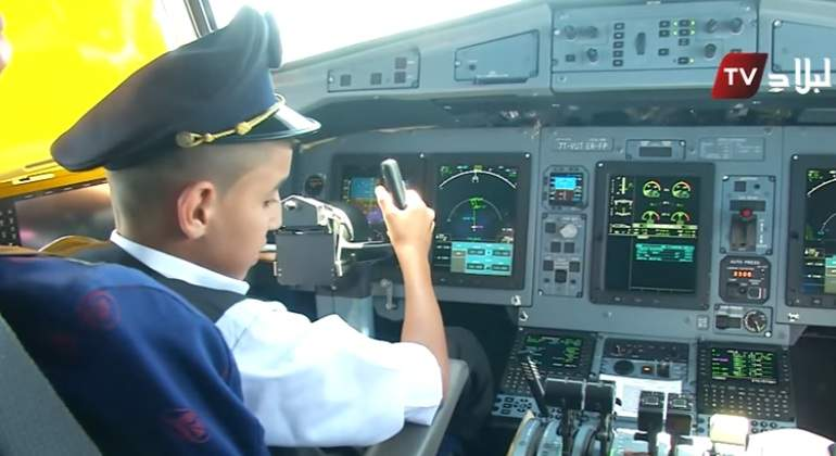 AirAlgerie-ninopilotando-26julio2017-Youtube.jpg