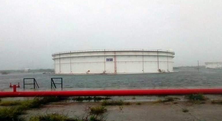 Pemex suspende operaciones de refinería de Salina Cruz por Calvin