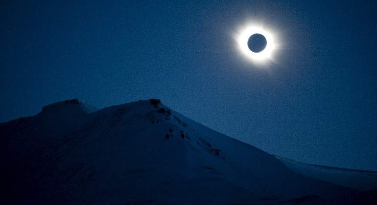 eclipse-reuters.jpg