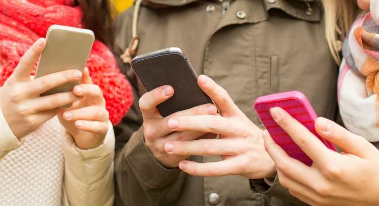 smartphones-2.jpg