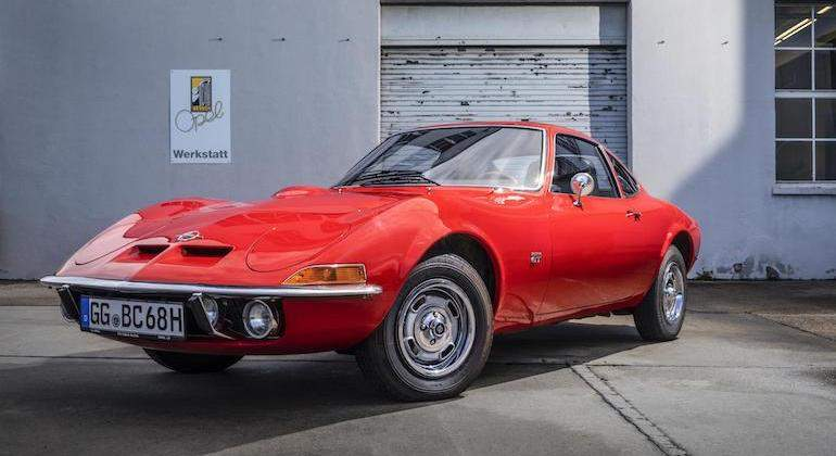 Opel-GT-50-aniversario-1.jpg
